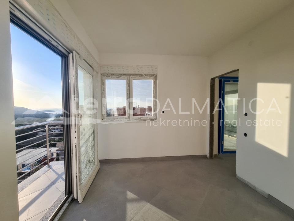 Primosten - comfortable apartment with sea view-bed room