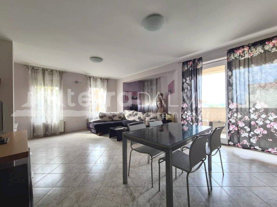 Šibenik - furnished two bedroom apartment - dining room