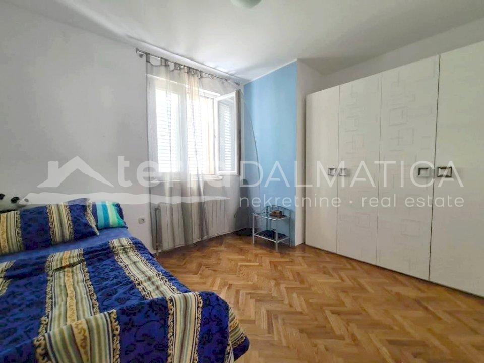 Šibenik - furnished two bedroom apartment - room