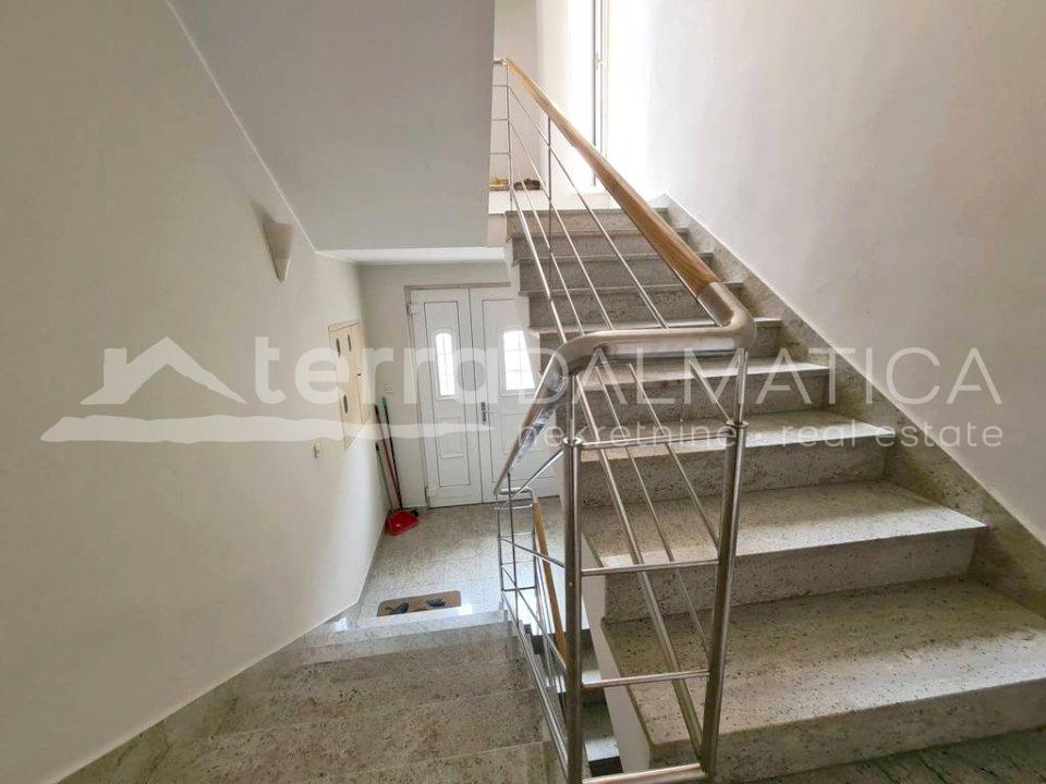 Šibenik - furnished two bedroom apartment - staircase