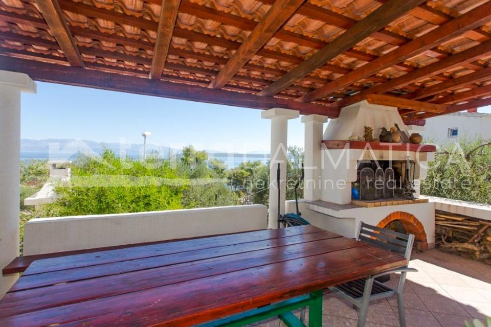 Solta - house with three apartments and a beautiful sea view - ground floor terrace