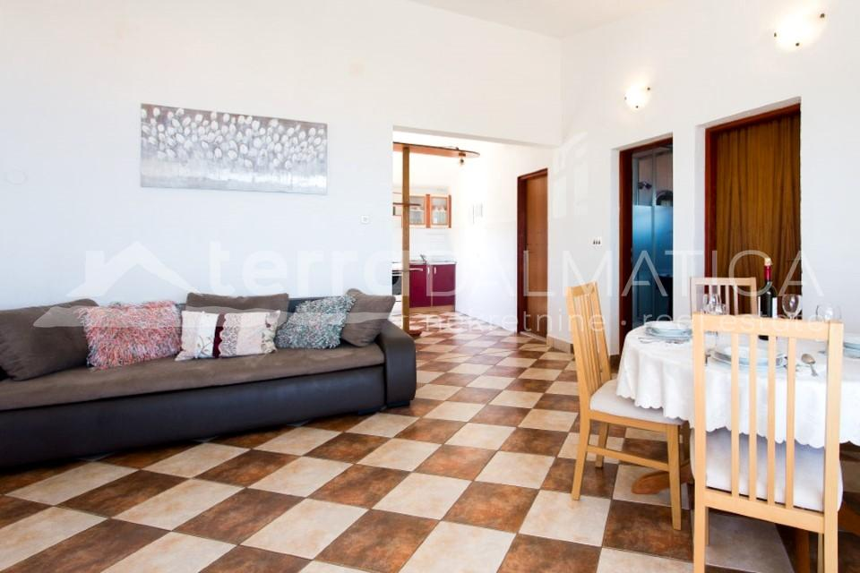 Solta -house with three apartments and a beautiful sea view - living room - second floor