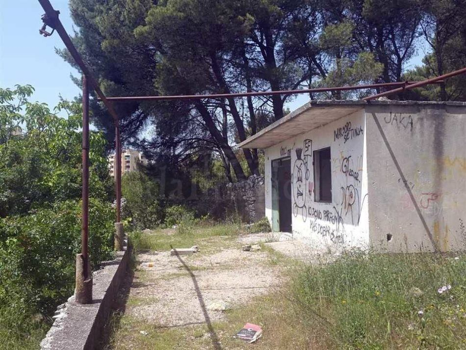 Plot_with_building_Sibenik_for_sale