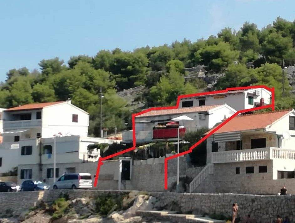 Zirje_house_first to the sea_for sale