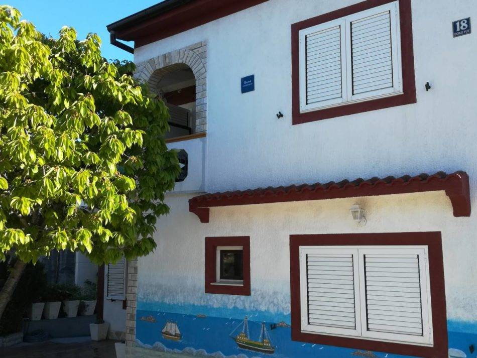 Jezera, nice house for sale
