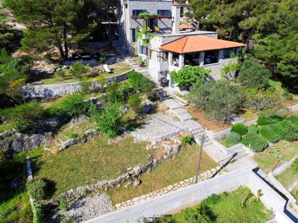 Zlarin, villa with sea view for sale.